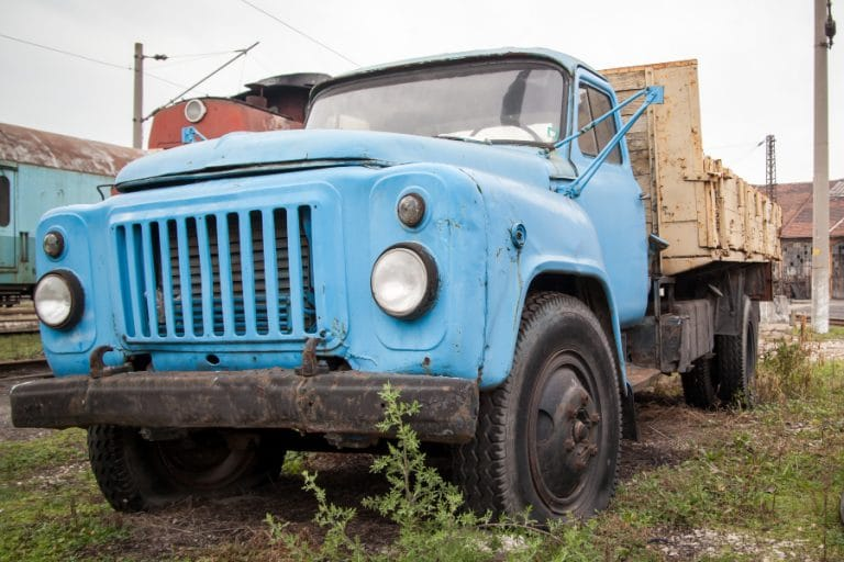 sell old damaged trucks